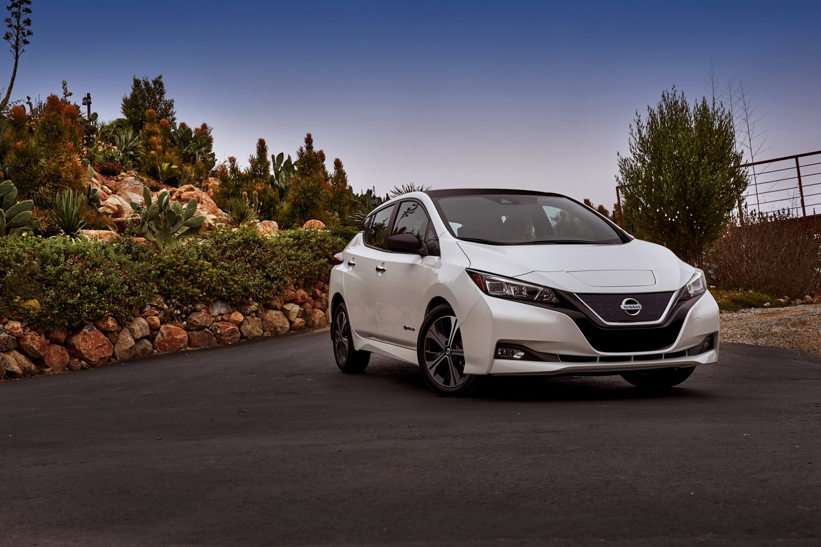 Photo of Nissan Leaf Avrupa'nın en çok satan elektriklisi oldu!