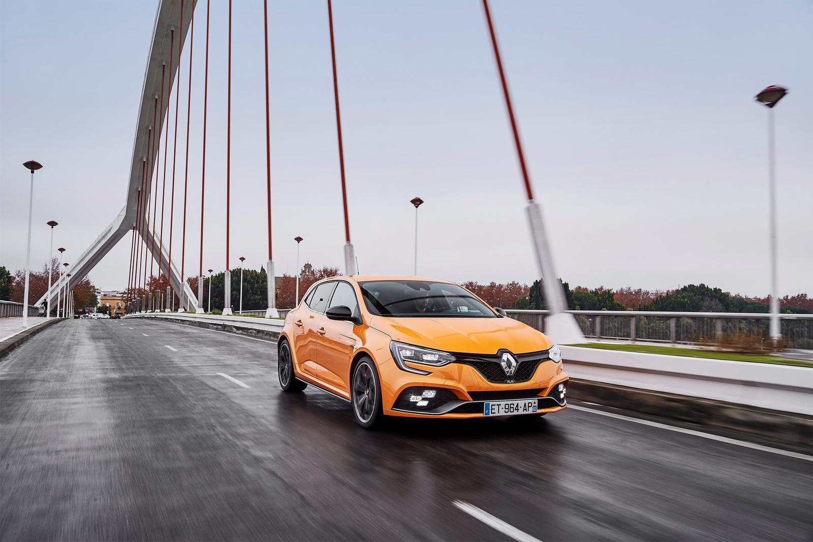 Photo of Yeni Renault Megane R.S.'i detaylı fotoğraflarıyla tanıyalım