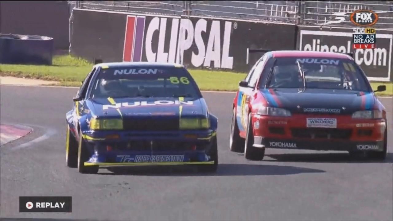 Photo of Formula 1 böyle olmalı: Civic ve AE86'nın savaşı