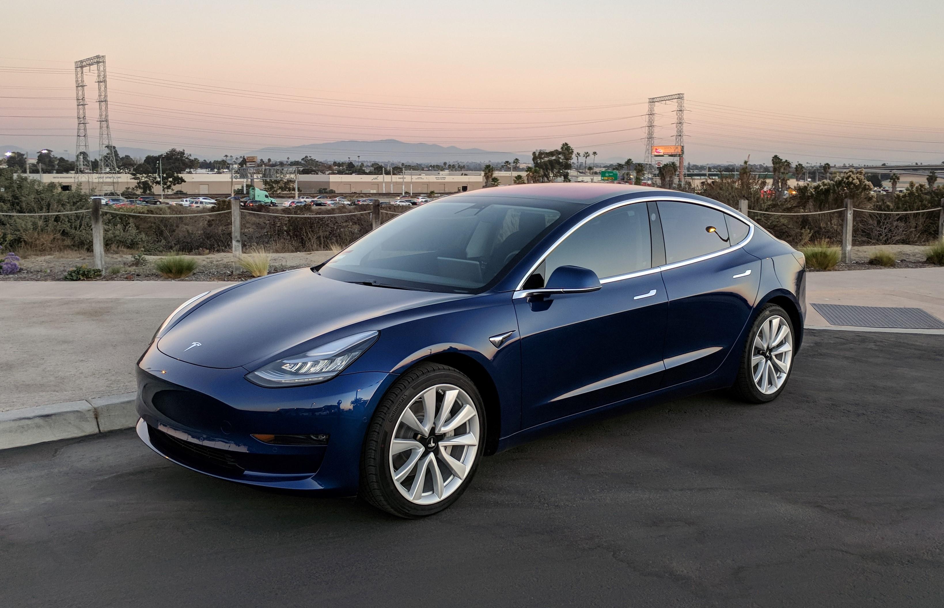 """Photo of Tesla Model 3'e """"koltuk ısıtması"""" güncellemesi geldi!"""