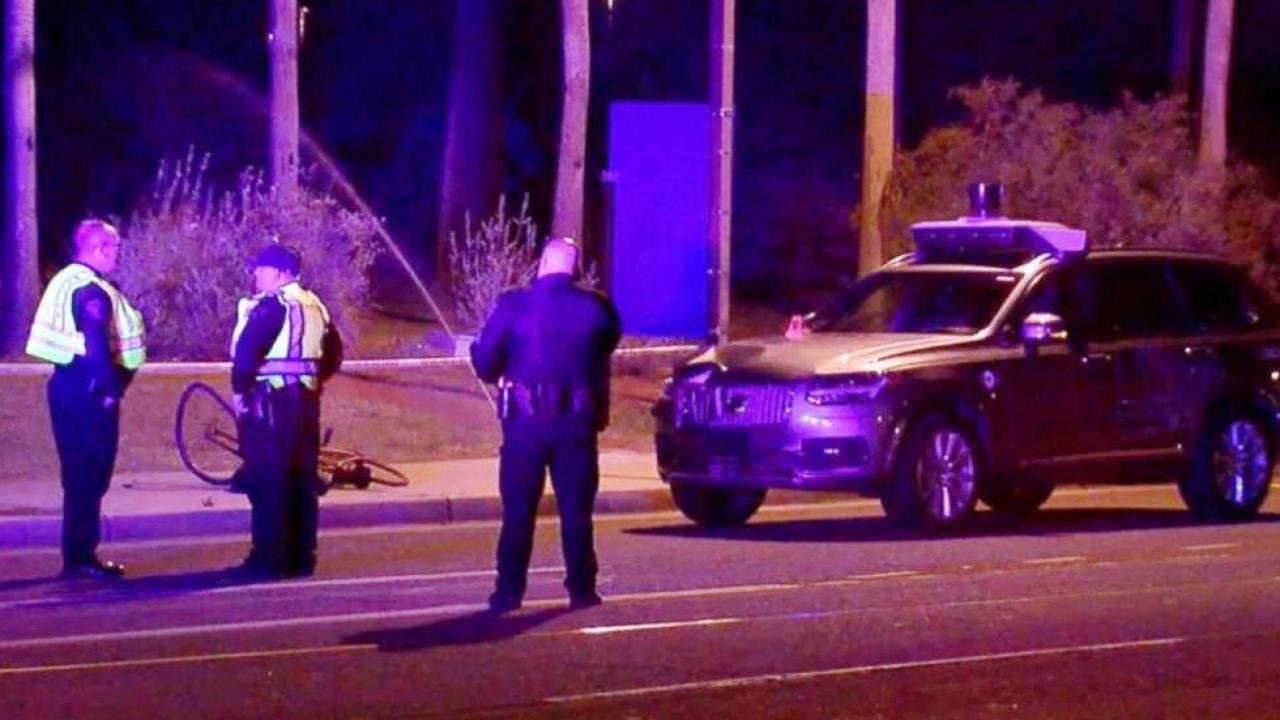 Photo of Otonom Uber aracı ölümlü kazaya karıştı!