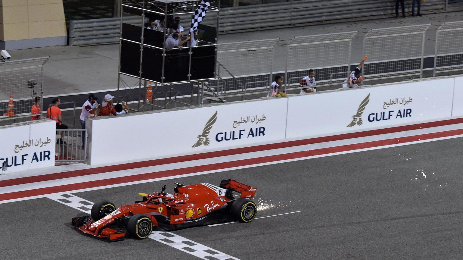 Photo of F1 Bahreyn GP: Kaos dolu yarışın galibi Sebastian Vettel!