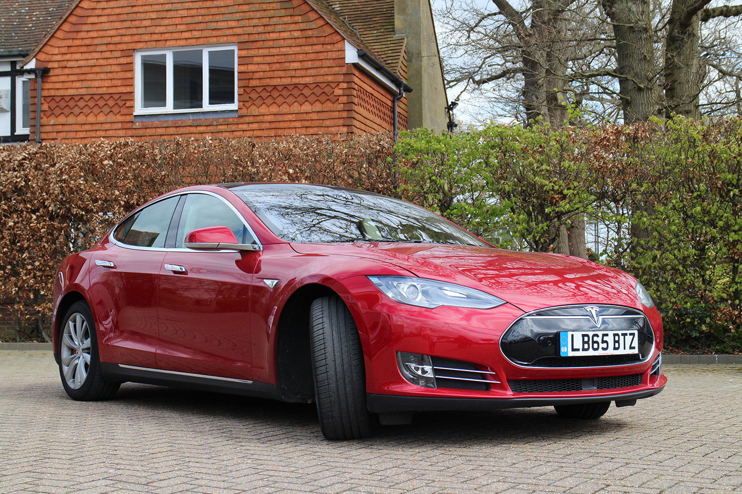Photo of Rekortmen Tesla Model S, 675 bin kilometreyi devirdi