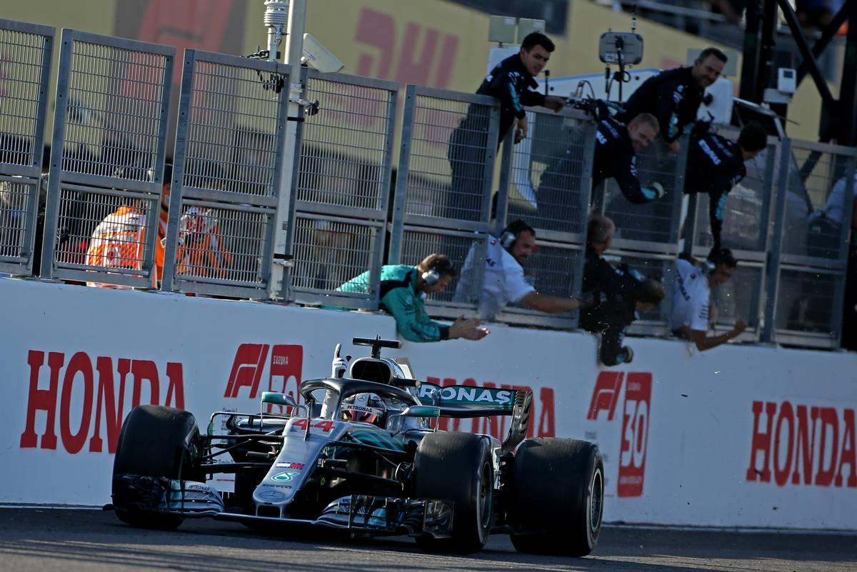 Photo of F1 Japonya GP: Hamilton şampiyonluğa çok yaklaştı!