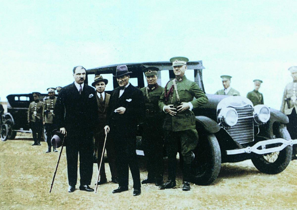 Photo of Bir devire tanıklık: Atatürk'ün makam otomobilleri