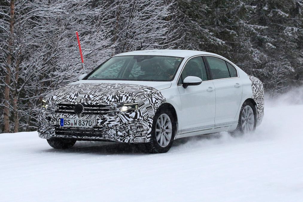 Photo of Yenilenen Volkswagen Passat testte yakalandı!