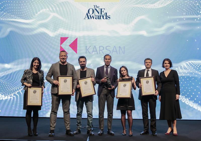 """Photo of Karsan """"Yılın İtibarlı Ticari Araç Markası"""" ödülü aldı"""