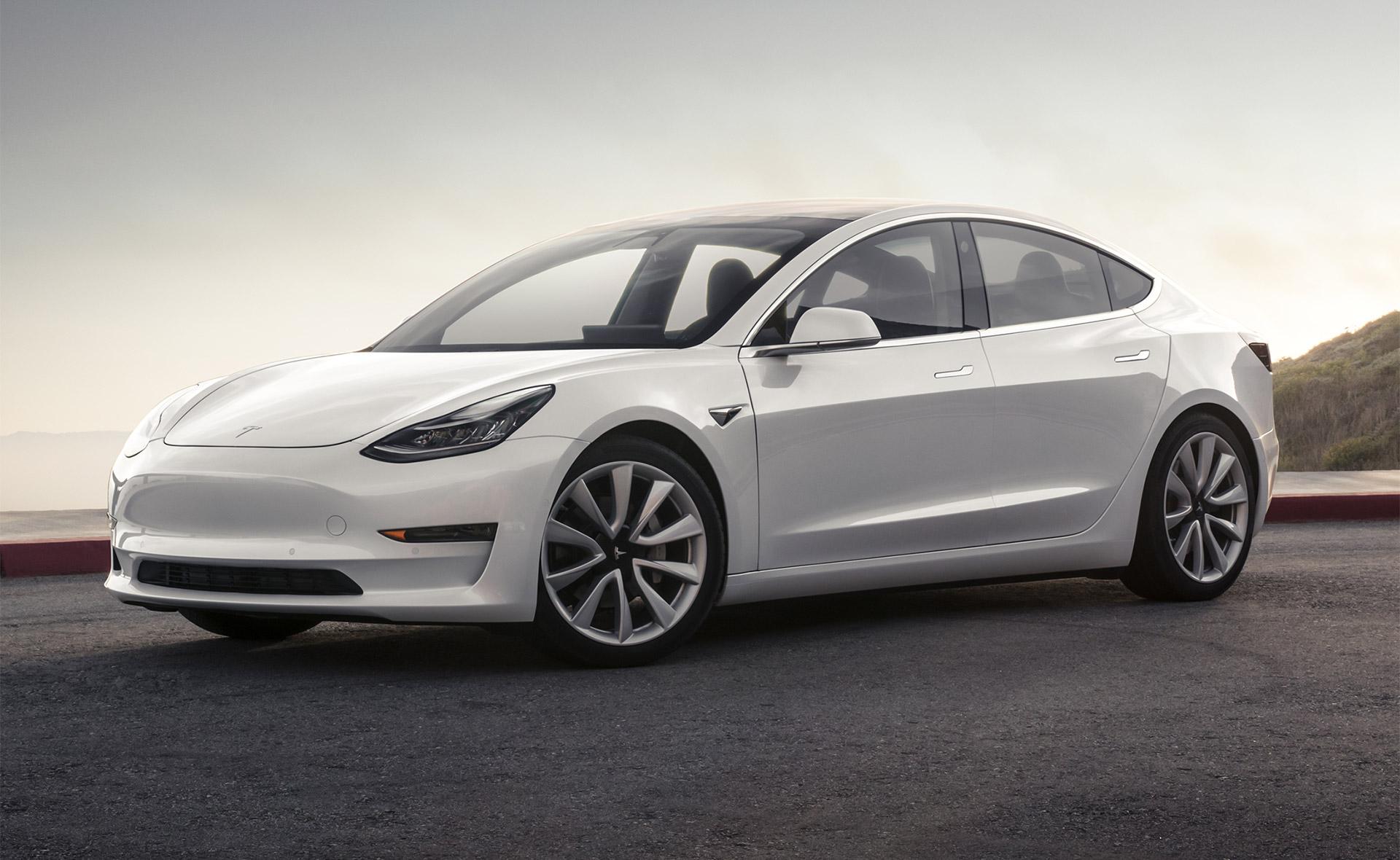 Photo of Tesla Model 3 Avrupa yolları için onay aldı