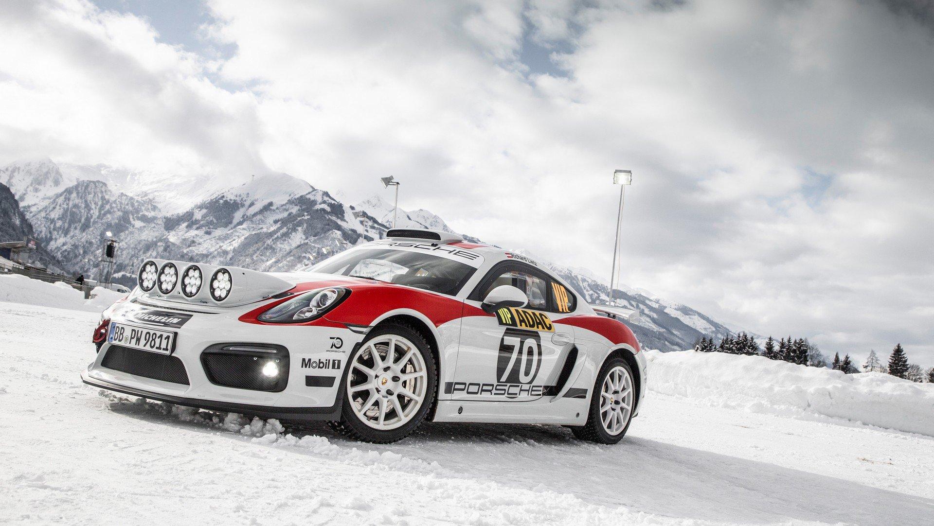 Photo of Porsche 718 Cayman GT4 Rally Konsept olarak tanıtıldı