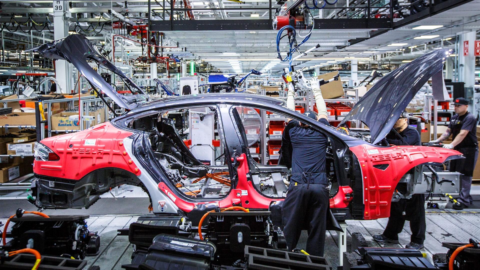 Photo of Tesla, 3 bin kişiyi işten çıkartıyor