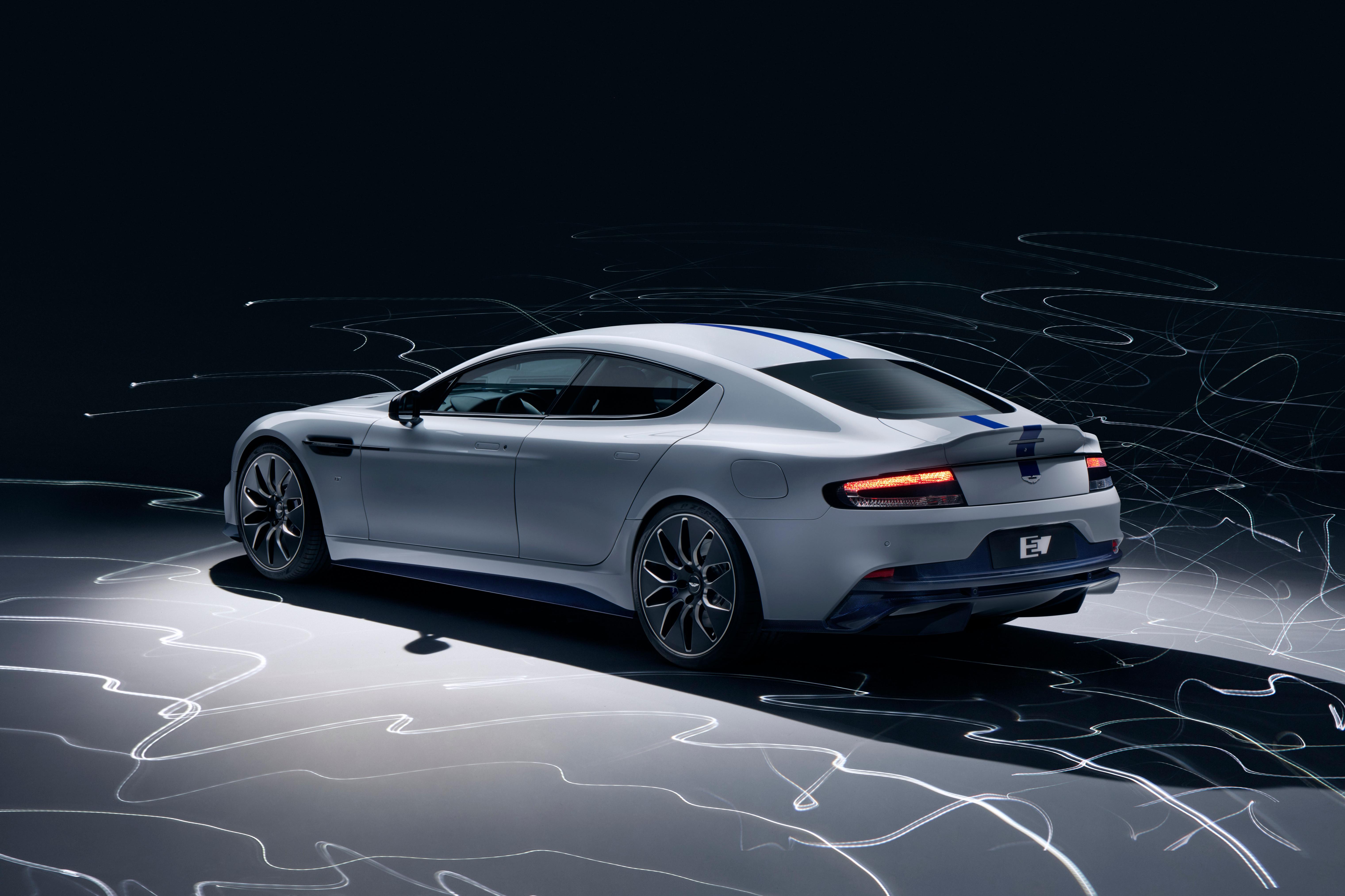 Photo of Aston Martin Rapide E'nin örtüsü açıldı