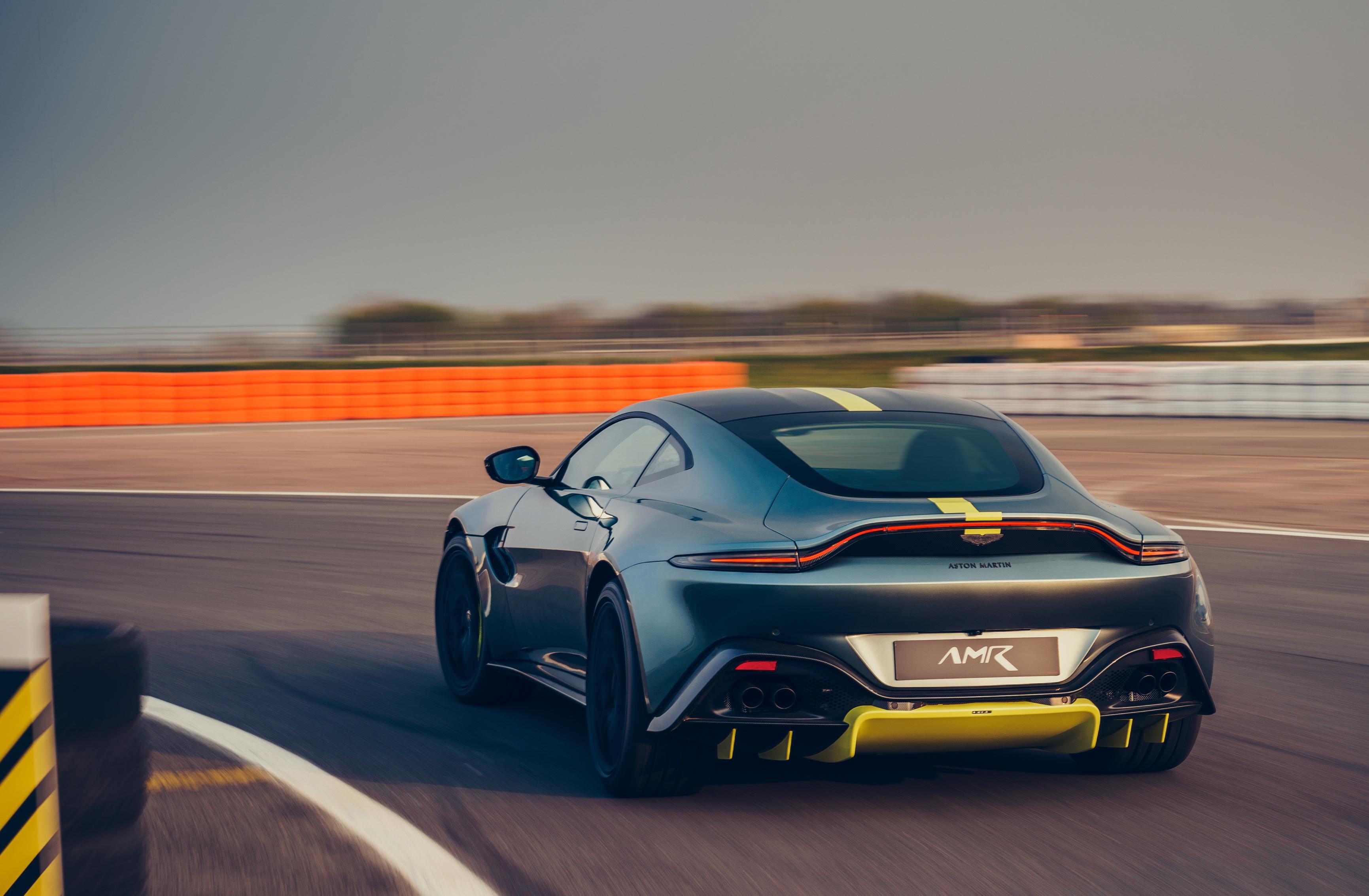 Photo of Karşınızda en hızlı üstü açık Aston Martin!