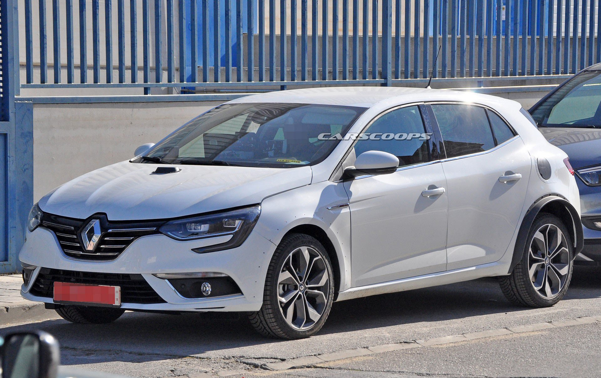 Photo of Renault Megane hibrit motor ile makyajlanıyor!
