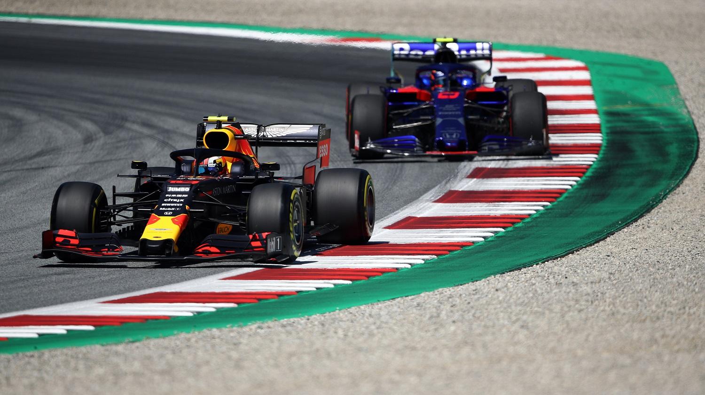Photo of Red Bull Racing, Gasly yerine Albon ile devam edecek