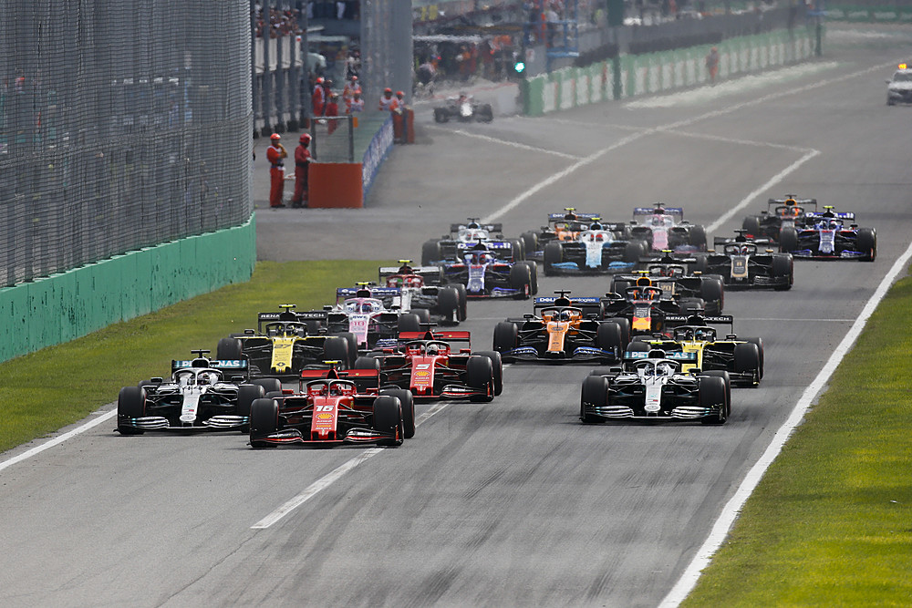 Photo of F1 İtalya GP: Leclerc Ferrari'ye 9 yıl sonra kazandırdı!