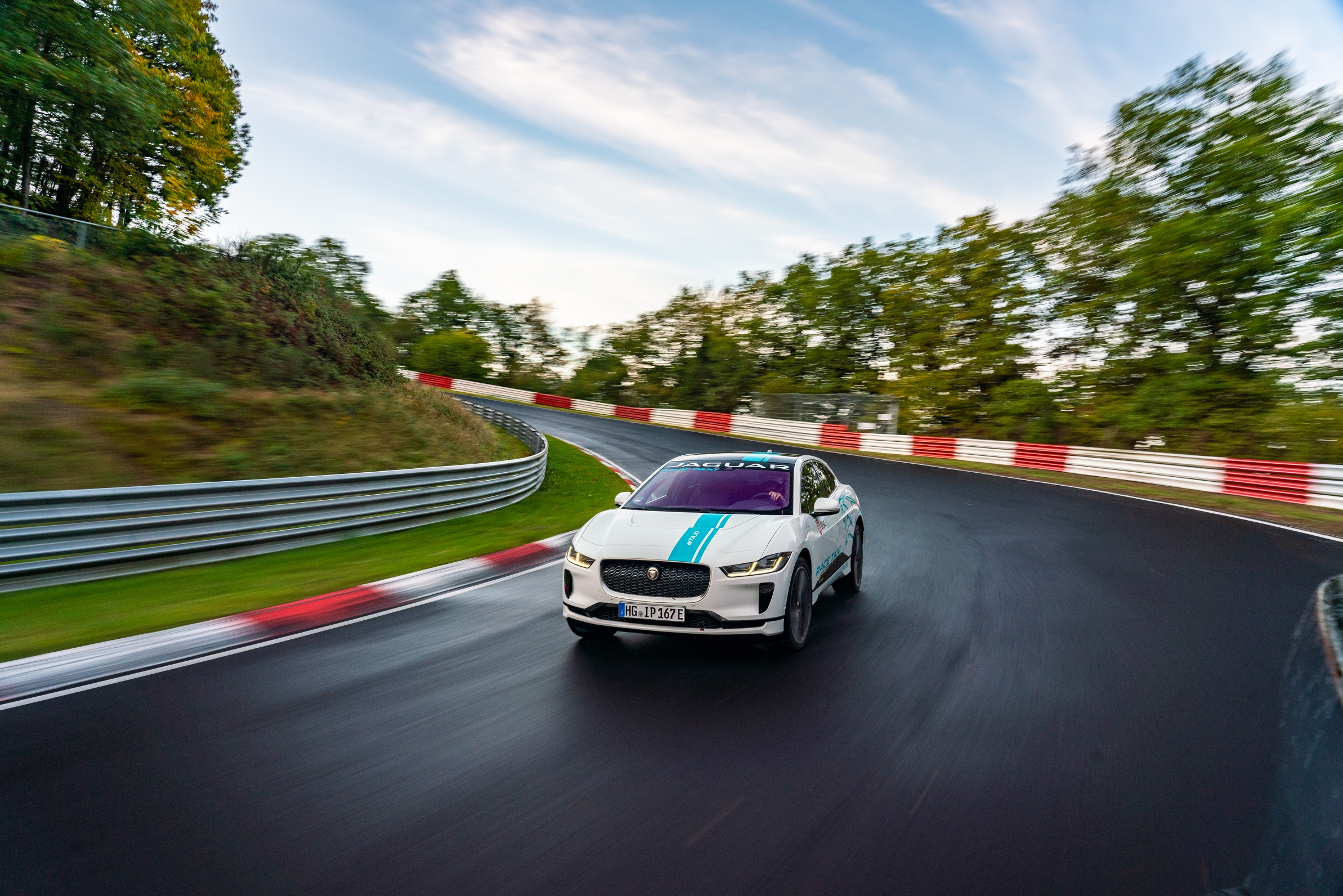 Photo of Jaguar I-PACE ile Nürburgring'de TAXI