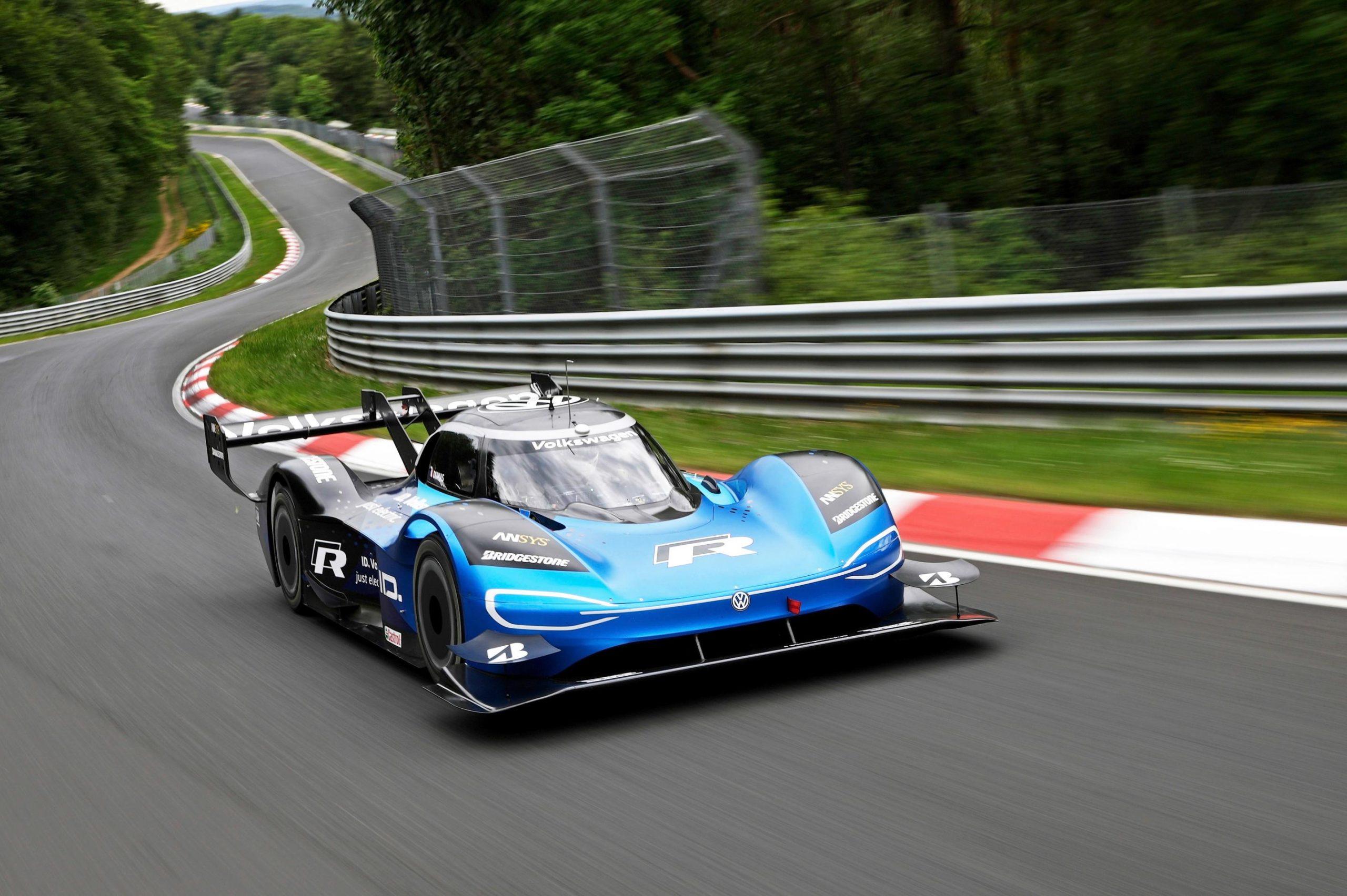 Photo of Volkswagen cephesinden yılın elektrikli yarış otomobili